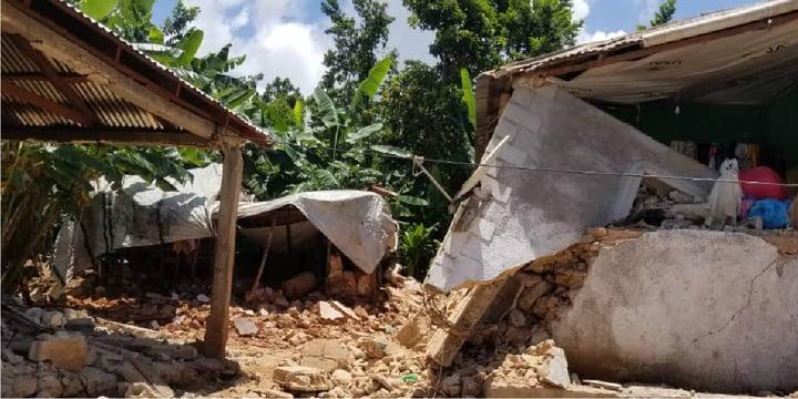 badly damaged buildings following the earthquake in Haiti